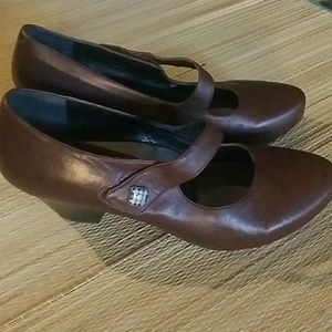 DANSKO MARY JANE SHOES -BROWN SIZE 41